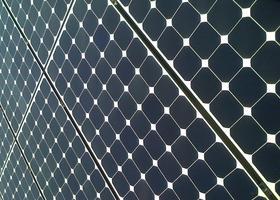 Sul tetto che scotta producendo energia