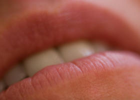 Le sette regole per combattere l'herpes labiale