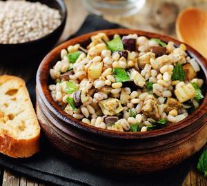 Ecco lo schema tipo di alimentazione vegana mediterranea