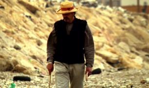 """Jeremy Irons indaga per """"Trashed"""""""