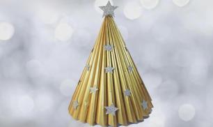 Decorazioni natalizie: come fare un albero di Natale riciclando i giornali