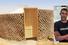 Bottiglie di plastica riempite di sabbia per le case dei Saharawi