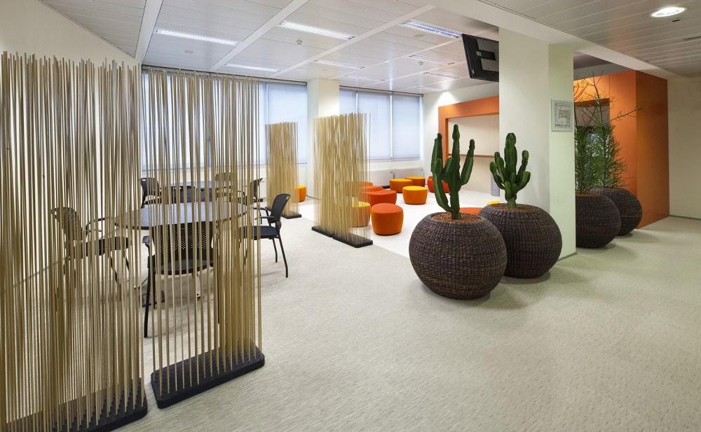 Ufficio Open Space Opinioni : Addio vecchio ufficio scrivanie condivise per tutti e