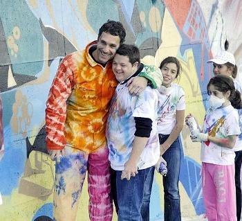 Raoul si cimenta nella street art insieme con i ragazzi della Fondazione Coloriamo i sogni