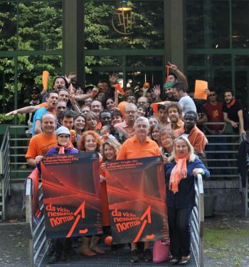 Foto di gruppo volontari e lavoratori di Olinda