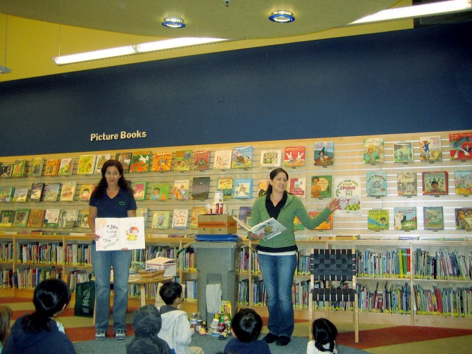 Recycling storytime for the kids, album di San Jose Library/flickr