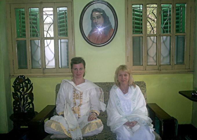 In visita alla casa del Maestro yoga Paramahansa  Yogananda  a Calcutta