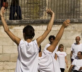 """""""Viaggiatori dell'Anima"""" Avignone performance - foto Paolo Robaudi"""