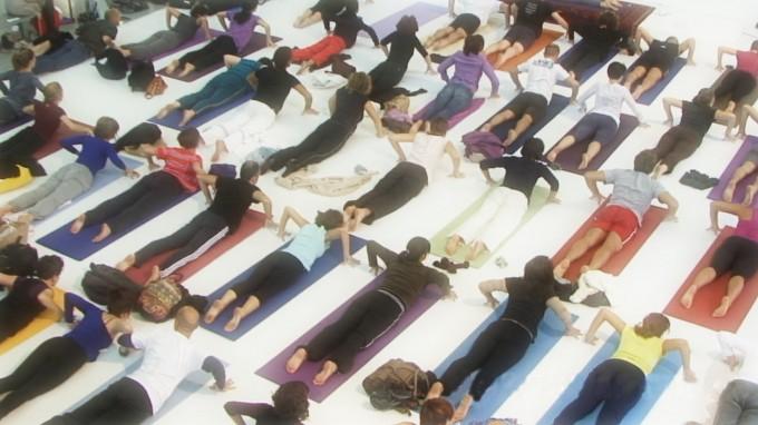 yoga valori rispetto rilassamento respirazione relazioni con laltro playstation gioco formazione esercizio fisico equilibrio educazione disturbi alimentari disagio giovanile diritti dei minori crescita corpo concentrazione comunicazione ascolto adolescenti