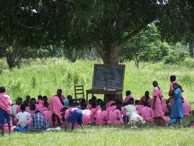 AMREF, investire sui bambini significa investire sul futuro dell'Africa.