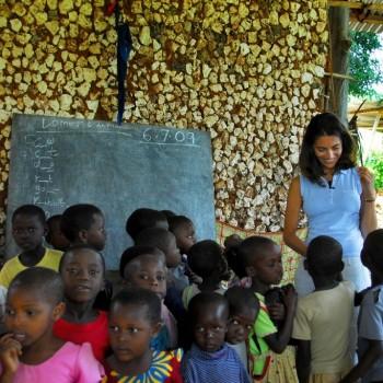 Caterina Murino in Africa con Amref