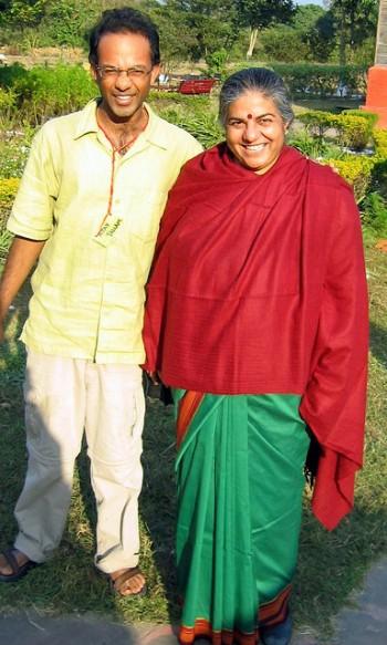 Navdanya, Ajay with Vandana Shiva, foto di Ajay Tallam/flickr