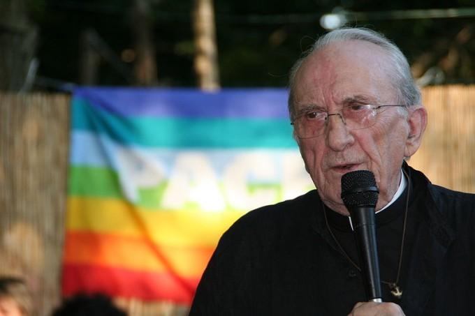 Don Andrea Gallo, foto di William Domenichini/wikipedia