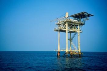 Wwf trivelle piattaforme petrolifere petrolio Legambiente Greenpeace fonti fossili energie rinnovabili