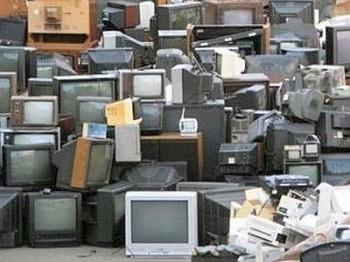 sostenibilità ambientale riuso rifiuti riciclo RAEE raccolta differenziata elettrodomestici Ecodom CO2