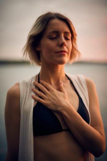 Respirazione yoga per migliorare qualità del sonno