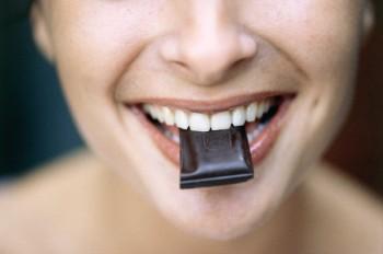 sbiancanti frutti di bosco dentifrici Denti bianchi cioccolato fondente aceto balsamico abrasivi