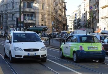 soluzioni ibride mobilità sostenibile GuidaMi emissioni di CO2 E vai Car2go car sharing car sharing aziendale car pooling