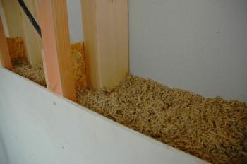 CASA A+N, particolare dell'interno del muro in canapa e calce