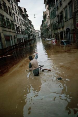 Alluvione novembre 1966, Firenze, Italy - Image by © Vittoriano Rastelli/CORBIS