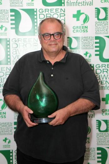 Il regista Andrei Konchalovsky al momento della premiazione foto: greendropaward.com