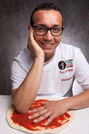 Verace pizza napoletana sostenibilità Salone del Gusto e Terra Madre pizza napoletana Oliviero Toscani OGM design italiano Contadi Castaldi biologico