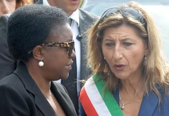 Il sindaco di Lampedusa Nicolini con l'ex ministro Kyenge