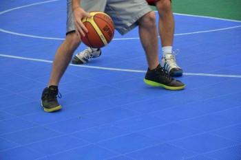 Basket: pavimentazione in gomma da Pneumatico Fuori Uso/www.ecopneus.it/
