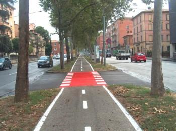 veicoli a basso impatto Tangenziale delle biciclette mobilità sostenibile Euromobility car sharing bike sharing auto elettriche aree pedonali