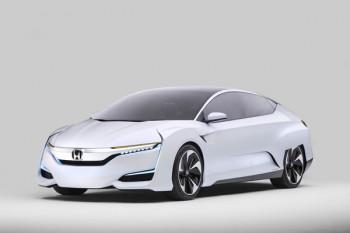 Toyota Mirai Mercedes incentivi Hyundai Honda h2 General Motors fuel cells crisi ambientale carburanti fossili auto in leasing auto elettrica auto a idrogeno