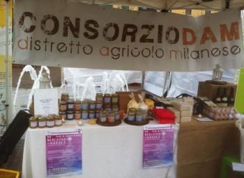 urbanizzazione Touring Club Italiano riso grande distribuzione Esselunga consorzio DAM comune di milano cascine storiche agricoltura urbana