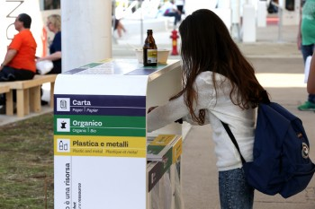 Cestini raccolta rifiuti sito espositivo Expo Milano 2015 - FOTO PHOTOVIEWS