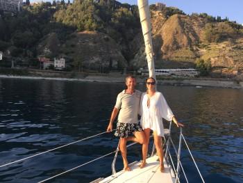 """""""Find a crew"""" rosario patané giro del mondo filosofia di vita felicità downshifting consumismo barca a vela"""