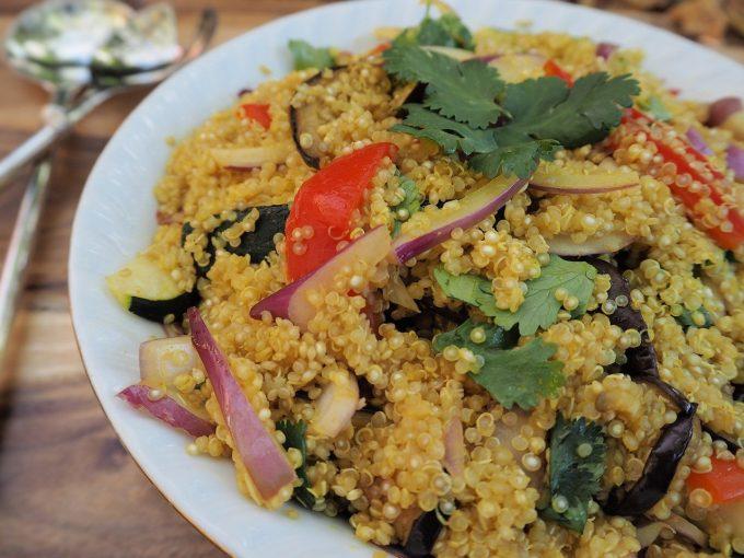 Proteine vegetali: quinoa con verdure