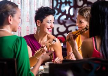 Le donne amano la cucina etnica - Image by 123rf