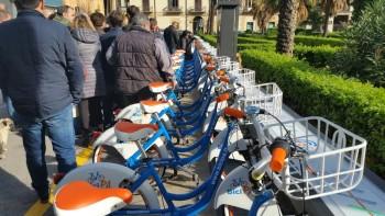 piano mobilità sostenibile mobilità sostenibile mobilità dolce la stazione delle biciclette GPS comune di Palermo car sharing elettrico bike sharing bicicletta a pedalata assistita
