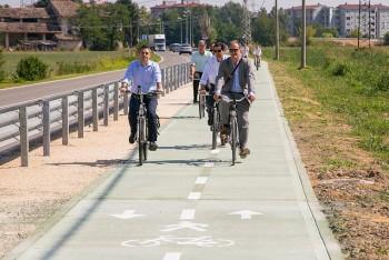 Il sindaco di Parma Federico Pizzarotti all'inaugurazione di una pista ciclabile cittadina,/Flickr