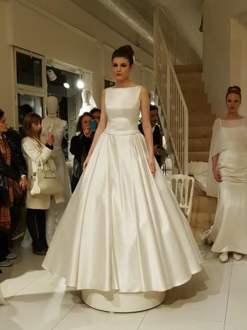 Il primo abito da sposa etico nelal collezione del brand Cangiari