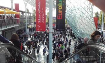 Mobile italiano: una veduta dell'esterno Salone del mobile