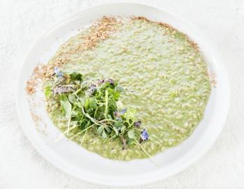 Mangiare biologico: un piatto dello chef Fabrizio Mantovani a base di avena risottata (Foto Identità golose - Credit Brambilla-Serrani)