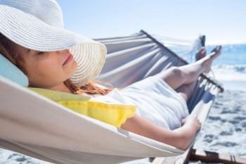 Tra le cose da fare per delle vacanze in tutto relax dormire bene, Image by iStock