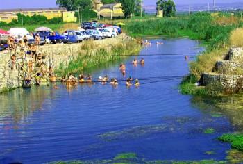 Bagnanti nel fiume Tara, Foto Fabio Lucatorto7flickr