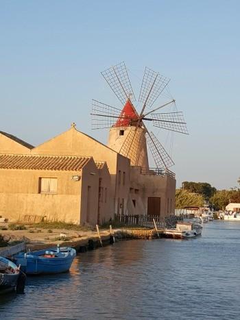 Lo Stagnone a Marsala è un esempio di turismo ecosostenibile (Foto Mariella Caruso)