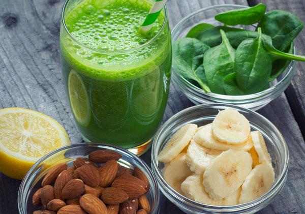 vitamine verdura Simona Oberhammer frutta estrattore estratti digestione centrifugati benessere