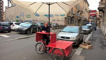 Il Libraio In Bicicletta Che Sfida Amazon