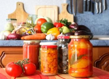 Bruna Auricchio, Botulismo, Conserve alimentari