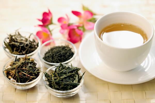 Tazza di tè con diverse varietà
