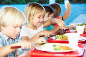 panino in mensa, alimentazione, bambini
