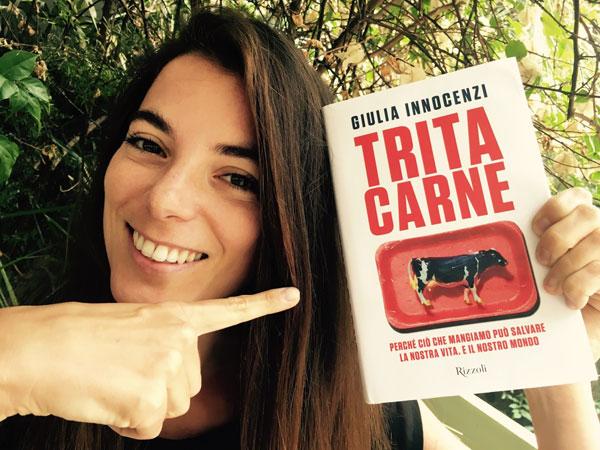 Tritacarne: l'inchiesta di Giulia Innocenzi sugli allevamenti intensivi