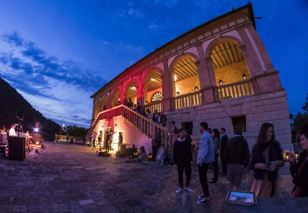 Villa dei Vescovi sere FAI